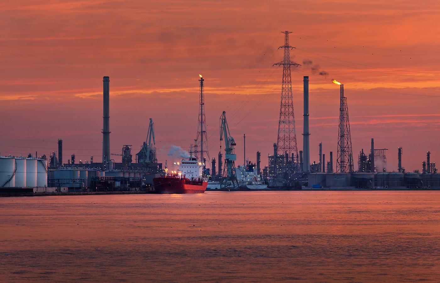EB_petroleumhaven